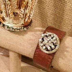 Jewelry - GORGEOUS PIECE! Vintage brooch cuff bracelet. 40s